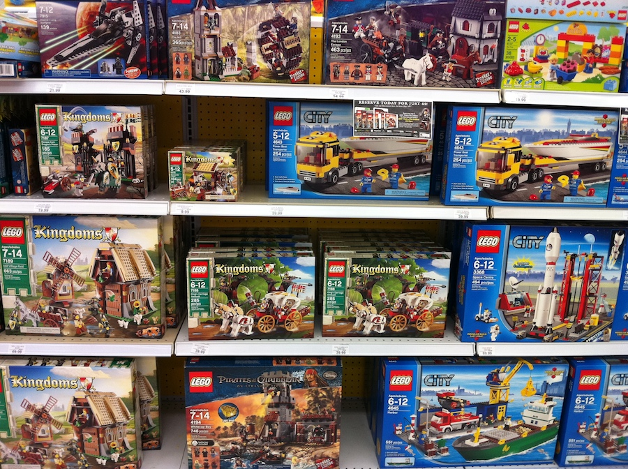All Toys Toys R Us : Lego sets at toys r us and target brick update