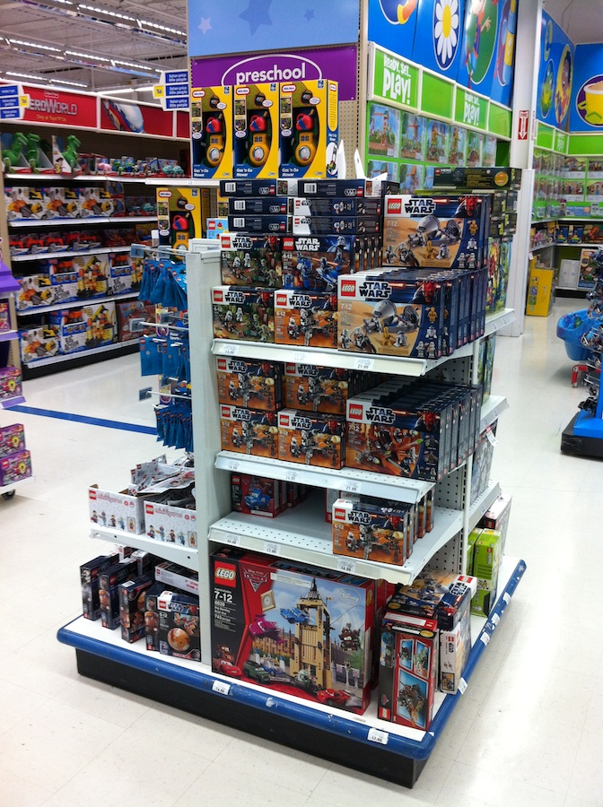 Toys R Us Legos For Girls : Lego avengers sets arrive at toys r us brick update